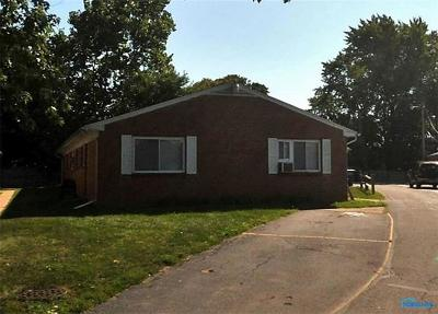 Toledo Multi Family Home For Sale: 3233 Dorian Court