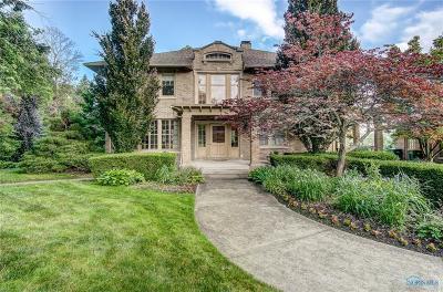 Ottawa Hills, Monclova, Oregon, Rossford, Swanton, Berkey, Metamora, Lyons, Whitehouse, Waterville Single Family Home For Sale: 358 Riverside Drive
