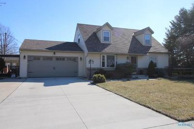 Northwood Single Family Home Contingent: 1979 Beachcraft Drive