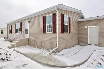 Single Family Home For Sale: 124 Country Walk Drive