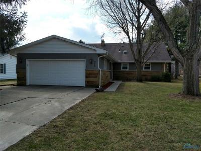 Perrysburg Single Family Home For Sale: 946 Pine Street