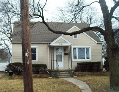 Toledo Single Family Home For Sale: 1302 Montain Road