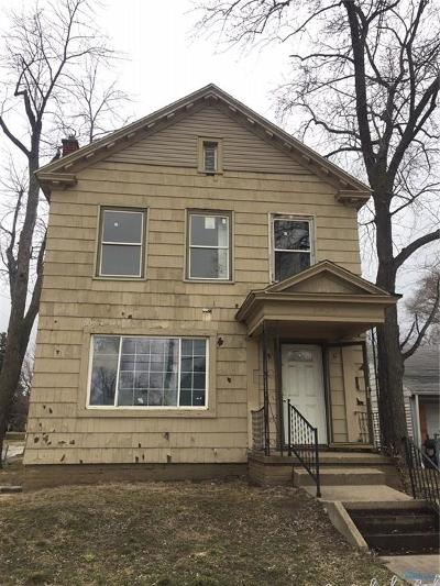 Toledo Multi Family Home For Sale: 2424 Airport Highway