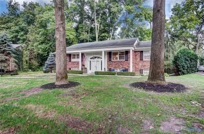 Toledo Single Family Home For Sale: 5046 Chatham Valley Drive