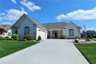 Perrysburg Single Family Home For Sale: 799 Ridge Lake Court