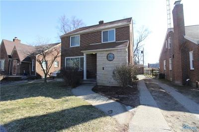 Toledo Single Family Home For Sale: 2932 Powhattan Parkway