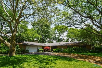 Maumee OH Single Family Home For Sale: $274,900