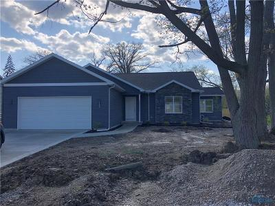 Maumee Single Family Home For Sale: 4448 May Drive