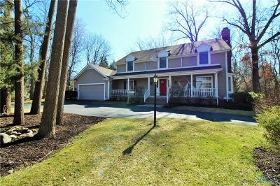 Sylvania Single Family Home Contingent: 7137 Whispering Oak Drive