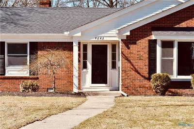 Toledo Single Family Home Contingent: 4242 Blackthorn Drive