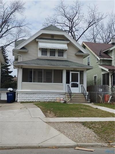 Toledo Single Family Home For Sale: 3855 Hazelhurst Avenue