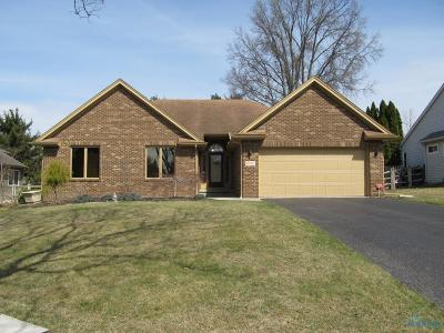 Sylvania Single Family Home For Sale: 6742 Victoria Court