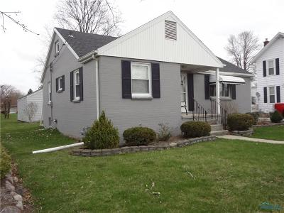 Single Family Home For Auction: 155 E College Avenue