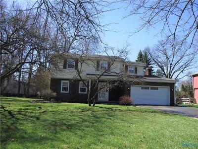 Toledo Single Family Home For Sale: 5751 Pinecroft Drive