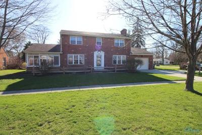 Perrysburg Single Family Home For Sale: 1000 E Boundary Street