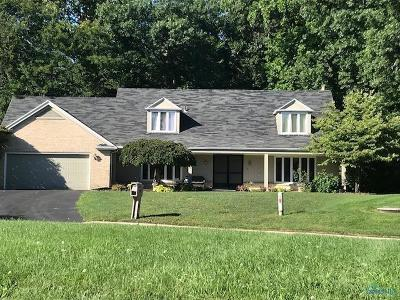 Maumee Single Family Home For Sale: 6808 Hickory Hill Drive