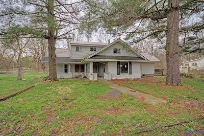 Ottawa Hills, Monclova, Oregon, Rossford, Swanton, Berkey, Metamora, Lyons, Whitehouse, Waterville Single Family Home For Sale: 3029 County Road Ef