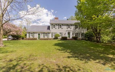 Single Family Home Contingent: 26124 Hull Prairie Road