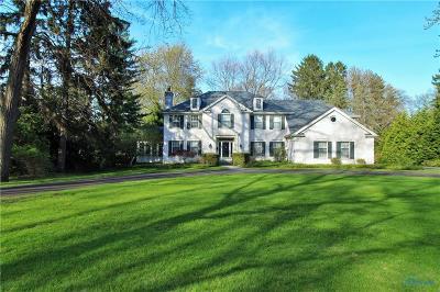 Ottawa Hills, Monclova, Oregon, Rossford, Swanton, Berkey, Metamora, Lyons, Whitehouse, Waterville Single Family Home For Sale: 2428 Edgehill Road