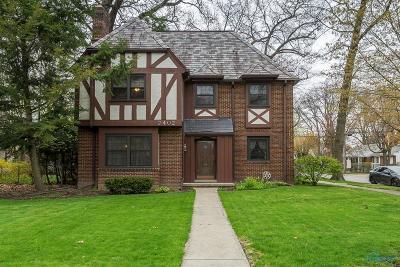 Toledo Single Family Home For Sale: 2402 Meadowwood Drive