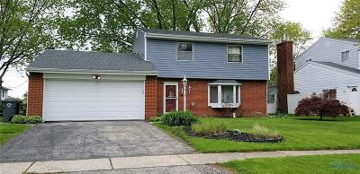 Perrysburg Single Family Home For Sale: 395 Edgewood Drive