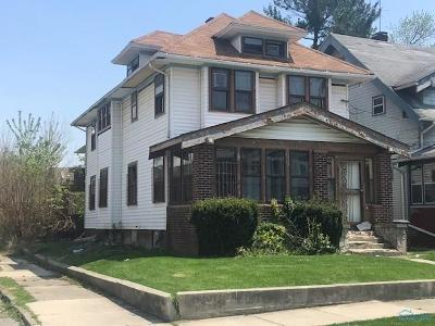 Toledo Multi Family Home For Sale: 3240 Parkwood Avenue