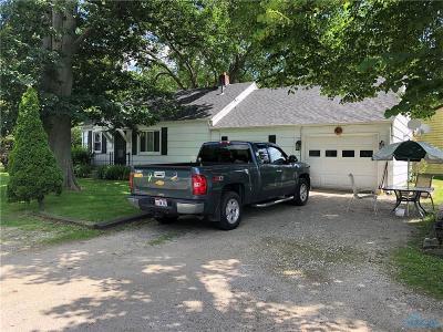 Perrysburg Single Family Home For Sale: 5269 Genoa Road