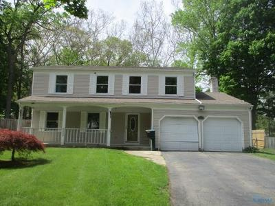 Toledo Single Family Home For Sale: 2447 Country Squire Lane