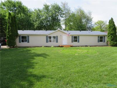 Perrysburg Single Family Home Contingent: 12479 Fort Meigs Boulevard