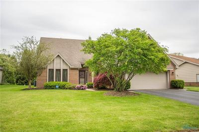 Maumee Single Family Home For Sale: 6210 Henthorne Drive