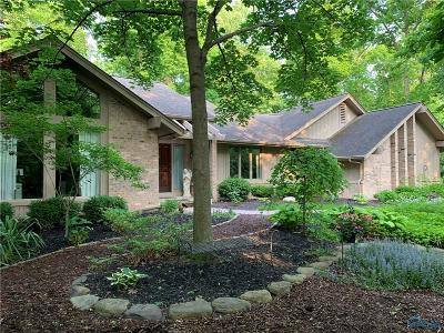 Perrysburg Single Family Home Contingent: 26070 Willowbend Road