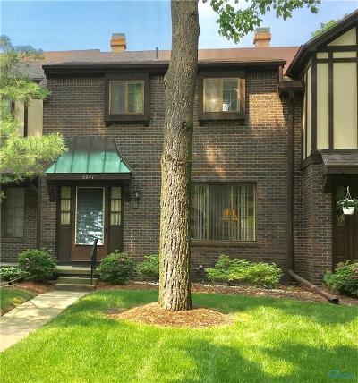 Toledo Condo/Townhouse For Sale: 5941 Tetherwood Drive #5941