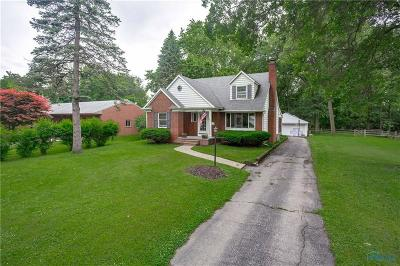 Rossford Single Family Home For Sale: 417 Forest Drive