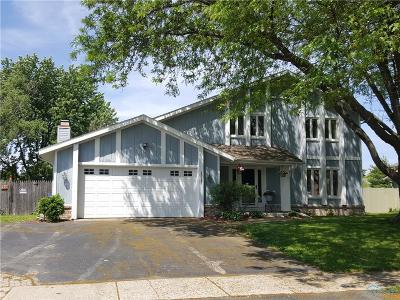 Perrysburg Single Family Home For Sale: 26585 Sheringham Road