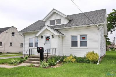 Ottawa Hills, Monclova, Oregon, Rossford, Swanton, Berkey, Metamora, Lyons, Whitehouse, Waterville Single Family Home For Sale: 827 Grasser Street