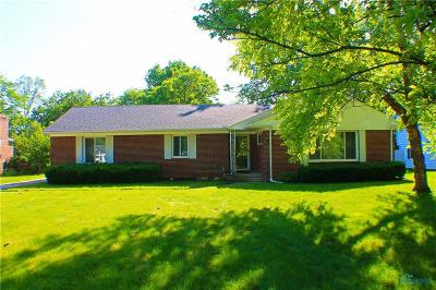 Perrysburg Single Family Home For Sale: 925 Maple Street