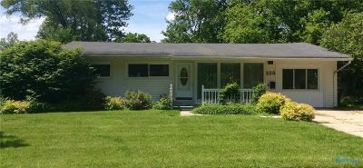 Perrysburg Single Family Home For Sale: 225 Margaret Place