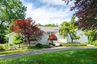 Ottawa Hills, Monclova, Oregon, Rossford, Swanton, Berkey, Metamora, Lyons, Whitehouse, Waterville Single Family Home Contingent: 2835 Secretariat Road