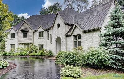 Toledo Single Family Home For Sale: 5220 S Oak Court
