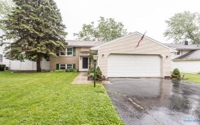Perrysburg Single Family Home For Sale: 190 Queensland Boulevard