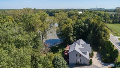 Grand Rapids Single Family Home For Sale: 21868 W River Road