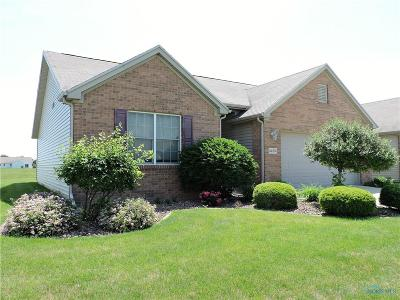 Perrysburg Condo/Townhouse For Sale: 26372 Edgewater Drive