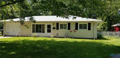 Toledo Single Family Home For Sale: 4132 Macauley Court
