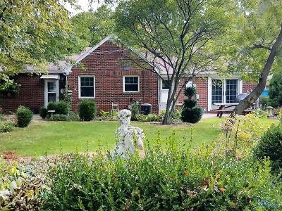 Maumee OH Single Family Home For Sale: $159,900