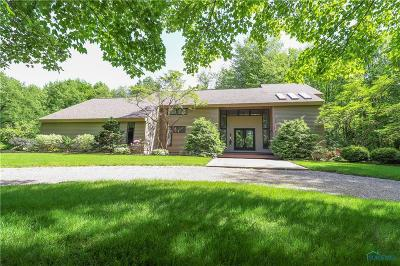 Ottawa Hills, Monclova, Oregon, Rossford, Swanton, Berkey, Metamora, Lyons, Whitehouse, Waterville Single Family Home For Sale: 10945 Ramm Road