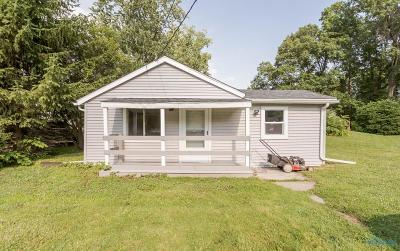 Holland Single Family Home For Sale: 2001 Rhode Island Road