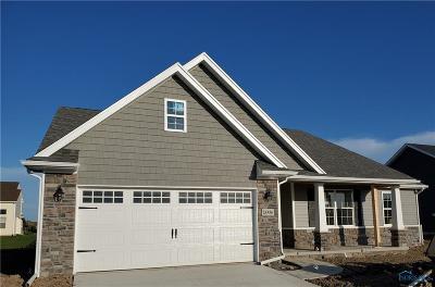 Perrysburg Condo/Townhouse For Sale: 25396 E Sunset Maple Drive #109