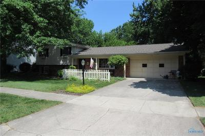 Perrysburg Single Family Home For Sale: 882 Bexley Drive