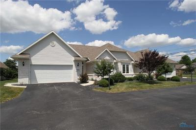 Ottawa Hills, Monclova, Oregon, Rossford, Swanton, Berkey, Metamora, Lyons, Whitehouse, Waterville Condo/Townhouse Contingent: 8208 Farnsworth Road