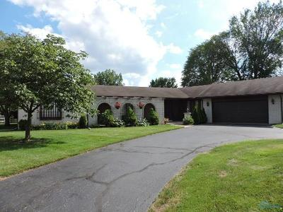 Maumee Single Family Home Contingent: 6233 Wexford Court